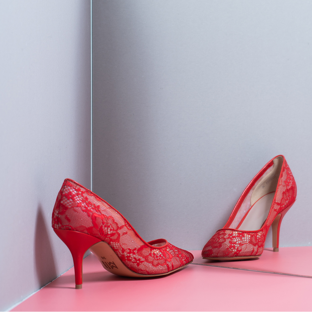 FLORAL GUIPURE LACE HIGH HEELS