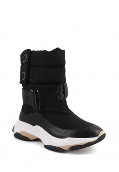 BUCKLE PADDED BOOTS